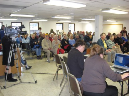 Citizens pack out a Coos County BOC meeting